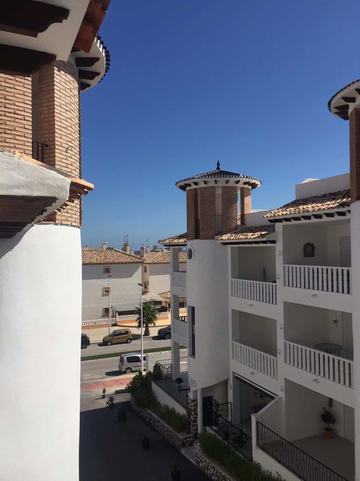 Penthouse with sea view in La Marina